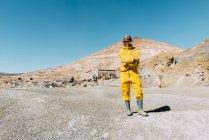 Bolivien, Potosi, touristische Schutzkleidung bereit, dem Cerro Rico besuchen Silbermine — Stockfoto
