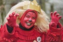 Portrait d'une jeune fille déguisée en Ueberlinger Loewe — Photo de stock
