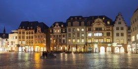 Germany, Rhineland-Palatinate, Mainz, view to Heunen Column at market place — Stock Photo