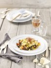 Gnocchi di verdure sulla tabella di legno — Foto stock