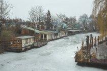 Germany, Berlin-Kreuzberg, view to frozen Flutgraben — Stock Photo