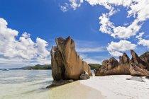 Seychelles, Praslin, Curieuse Island, beach with granite rocks — Stock Photo