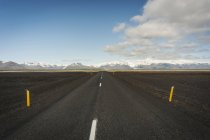 Iceland, empty road in Southern Iceland — Stock Photo