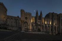 Франція, Авіньйон, Палац Пап вночі. — стокове фото