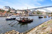 Vila Nova da Gaia and Douro river — Stockfoto