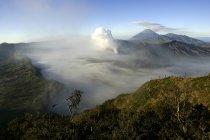 Індонезія, Java, вулкани бром, Batok і Semeru — стокове фото