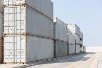 Стек контейнерів-Харбор — стокове фото