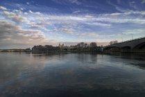 França, Avignon, Pont d'Avignon e Cathedrale Notre-Dame ao fundo — Fotografia de Stock