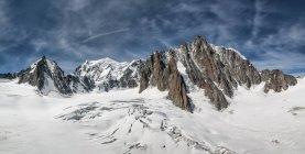 Francia, Chamonix, Mont Blanc, Tour Ronde, Grand Capucin, Mont Maudit, Mont Blanc - foto de stock