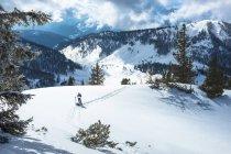 Austria, Salzburg State, Osterhorngruppe, Braunedelkogl, hiker in winter — Stock Photo