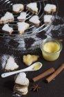 Рождественское печенье заполнены с лимонным творогом — стоковое фото