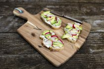 Avocado radish bread — Stock Photo
