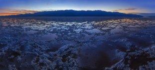 США, Каліфорнія, Долина смерті, Badwater басейну — стокове фото