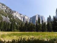 USA, California, Yosemite National Park, Daytime view of El Capitan — Stock Photo