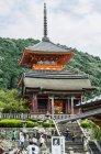 Japan, Honshu, Kyoto, Imperial City, Kiyomizu-dera temple complex — Stock Photo