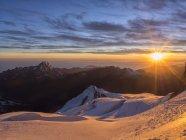 Sunrise on the top of Huayna Potosi mountain peak, Altiplano, La Paz district, Bolivia — Stock Photo