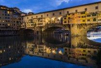 Italy, Tuscany, Florence, Ponte Vecchio at blu hour — Stock Photo