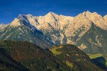 Austria, Tyrol, Hochfilzen, Alps and Wilder Kaiser — Stock Photo
