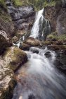 Голлинг водопад, длительная экспозиция — стоковое фото