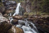 Голлинг водопад пейзаж — стоковое фото