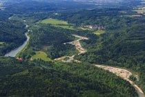 Vue aérienne de Germany, Bavaria, de Pupplinger Au près du monastère de Wolfratshausen et Schaftlarn à la rivière Isar — Photo de stock