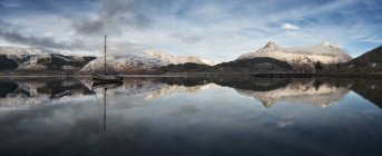 United Kingdom, Scotland, Loch Linnhe and Pap of Glencoe mountain, Panorama — Stock Photo