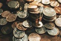 Haufen verschiedener Münzen, full-frame — Stockfoto