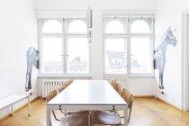 Interno della zona di seduta in ufficio moderno — Foto stock