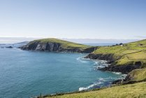 Irland, county kerry, dingle halbinsel, blick auf atlantikküste — Stockfoto