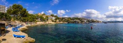 Spagna, Maiorca, Spiaggia e baia di Cala Fornells — Foto stock
