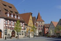 Germany, Bavaria, Middle Franconia, Lauf an der Pegnitz, Marketplace with Hersbruck Gate — стокове фото