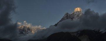 Nepal, Himalaya, Khumbu, Ama Dablam during daytime — Stock Photo