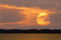 Австрія, Бургенланд Лейти гори, озера Нойзідлер на заході сонця — стокове фото