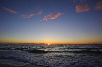 Allemagne, Mecklembourg-Poméranie occidentale, Fischland-Darss-Zingst, mer Baltique au coucher du soleil — Photo de stock
