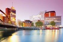 Germany, Hamburg, Hanseatic Trade Center and Elbphilharmonie at Kehrwiederspitze in sunset light — Stock Photo