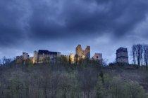 Австрия, Lower Austria, Buckfeld, замок руин на холме — стоковое фото