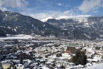 Österreich, Tirol, Schwaz Bezirk, Blick nach Schwaz im Winter tagsüber — Stockfoto