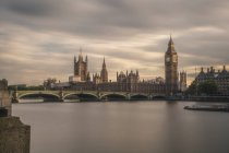 UK, London, Evening view to Westminster Bridge and Palace of Westminster with Big Ben, long exposure — Stock Photo