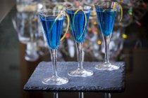 Коктейлі з лікером синій Кюрасао — стокове фото