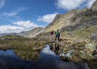 England, Cumbria, Lake District, Wasdale Valley, Great Gable, climbers — Stock Photo