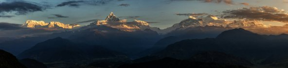 Panoramic view of mountains at Machapuchare, Annapurna South, Pokhara, Annapurna, Nepal — Stock Photo