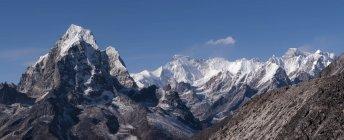 Everest region Ama Dablam, mountainscape, Solo Khumbu, Himalaya, Nepal — Stock Photo