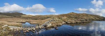 Англія Камбрія Озерний край, Langdale, Stickle Тарн, альпініст — стокове фото