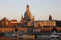 Deutschland, Sachsen, Dresden, Frauenkirche im Sonnenuntergang — Stockfoto
