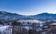 Кошти з вашої кредитної, Німеччина, Баварія, вид на озеро Rottach Egern в сутінках — стокове фото