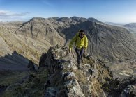 England, Cumbria, Lake District, Wasdale Valley, Great Gable, climber — Stock Photo