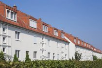 Germania, Colonia Widdersdorf, case plurifamiliari a schiera — Foto stock