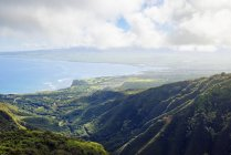 США, Гаваї, Мауї, береговим ландшафтом, як видно з Waihee Рідж стежка — стокове фото