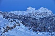 Spagna, Navarra, Valle del Roncal, ora blu in montagna — Foto stock
