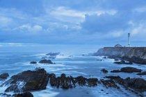 США, Калифорния, Тихий океан, округ Мендосино, Арена точка Маяк — стоковое фото